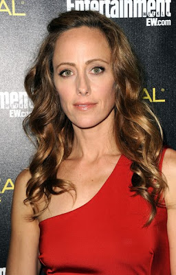 Kim Raver Looks Elegant In One Shoulder Dress