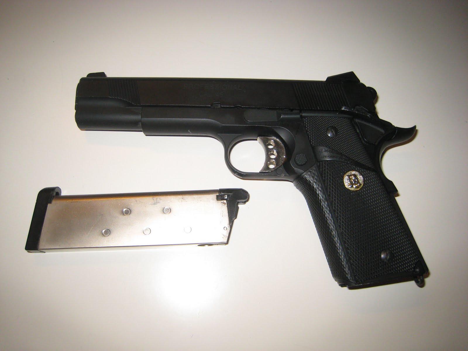 Airsoft guns pistols