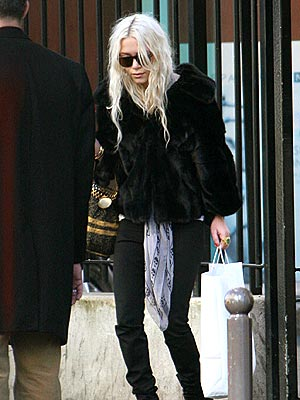 mary kate olsen hairstyles. mary kate olsen hairstyle