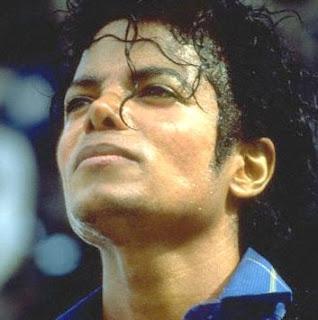 http://2.bp.blogspot.com/_M7trGyp76G4/SSeoBxkhzWI/AAAAAAAAAfE/-Q1IgGy5_yc/s320/michael_jackson_king_of_pop.jpg