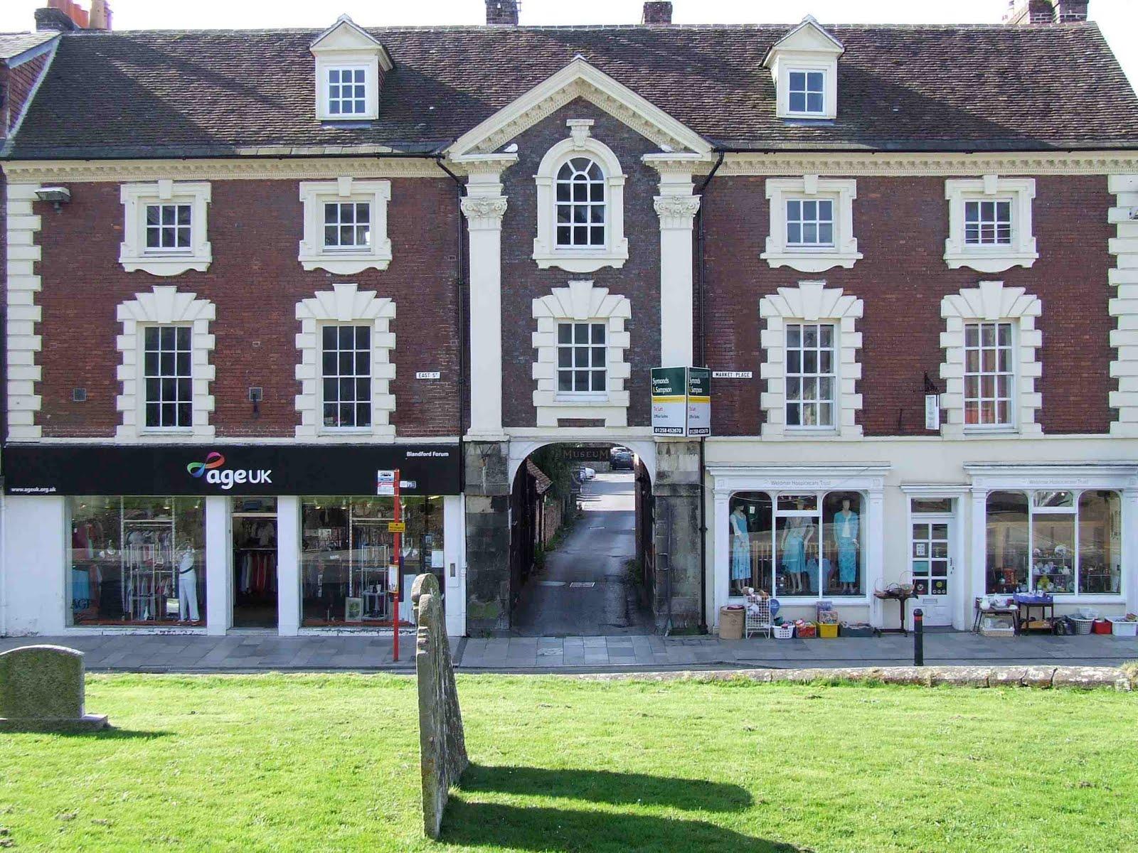 English buildings blandford forum dorset for Classic uk house