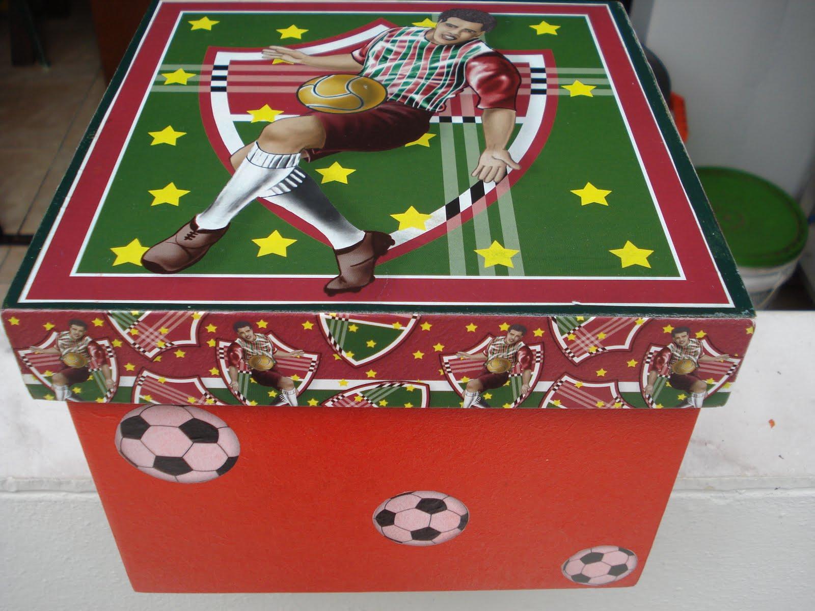 Caixa do Fluminense para guardar brinquedos (Trunfo por exemplo). #ADAA1E 1600x1200