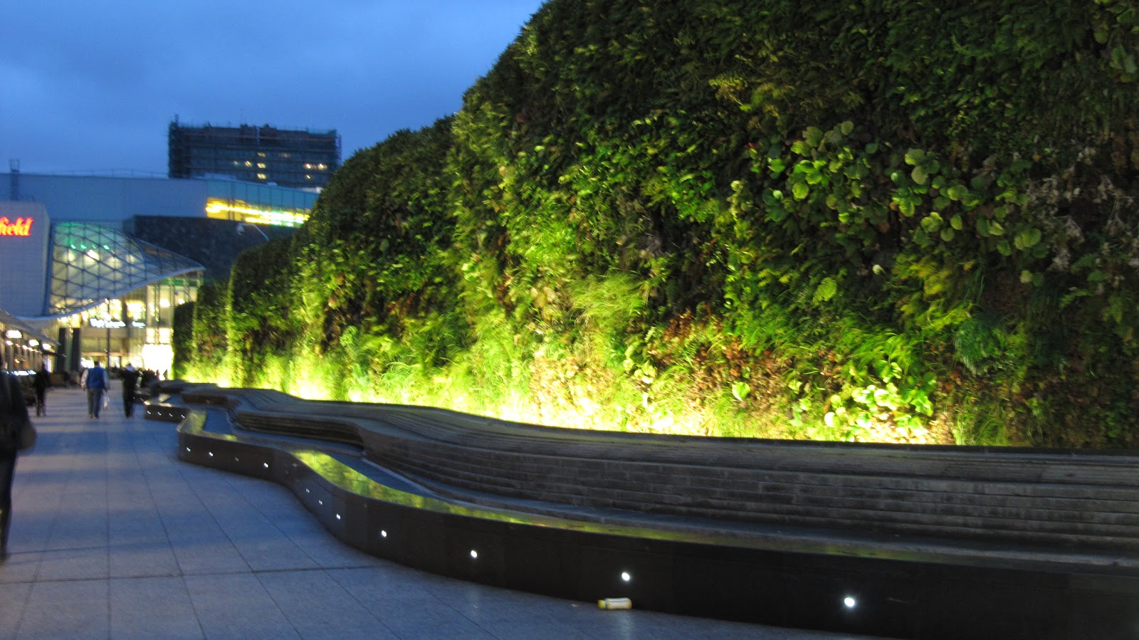 Lights For Green Wall : A.Barthel: Lighting
