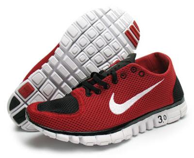 La Nike free10 est une chaussure à structure classique, la Nike free0  correspond à la course effectivement pieds nus. Celle dont il est question,  la 3 est ...