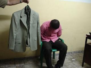 http://2.bp.blogspot.com/_MBBXIrKA0Ec/S_gQcMlfKKI/AAAAAAAAD0w/crbSR63Qflo/s400/Falso+Pastor+-+detido.jpg