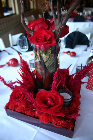 Shiny Gold X Matte Silver O silver and red wedding centerpieces