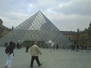 saudade de minhas visitas noturnas no Louvre..e depois um vinho para encerrar...