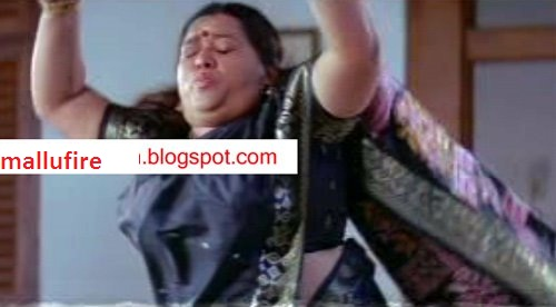 navel slip of malayalam film actress chubby aunty showing her navel