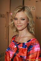 Amy Smart photo shoot