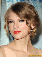 Taylor Swift The People's Choice Awards 2011 in Los Angeles