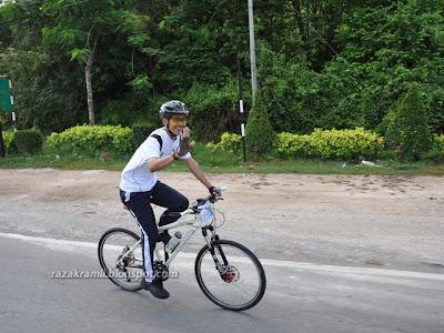 Tabib riding Kona Cider Cone
