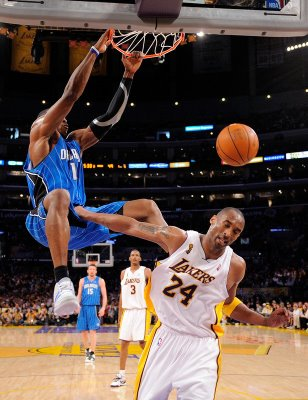 Dwight_Howard_Dunks_On_Kobe_Bryant.jpg