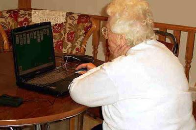 91-årig IT-intresserad dam