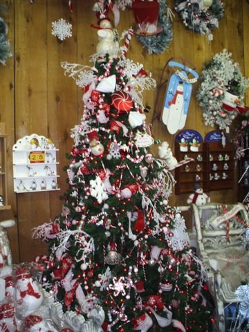 PIx taken by Janet - Snowman Tree at Country Christmas Store