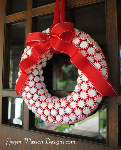 Peppermint Candy Christmas Wreath | DIY Christmas Wreaths You Will Love