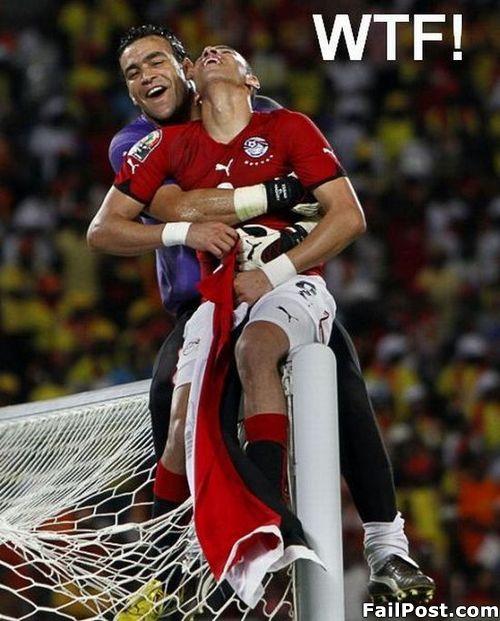 Mario Gomez inicia la revolucion gay en el futbol.