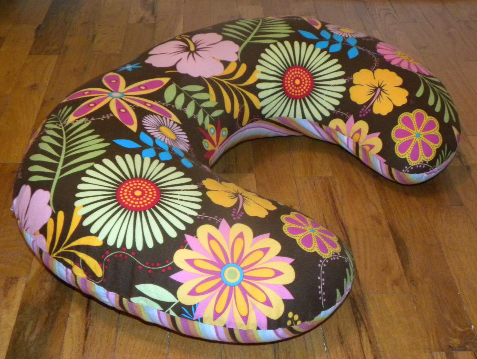 A Load Of Craft: Tutorial: How To Make A Boppy Slip Cover