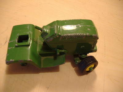 Here is a John Deere garden tractor that I got off of E-bay. It's in pretty rough shape. I wanted to make a John Deere garden pulling tractor for my own ...