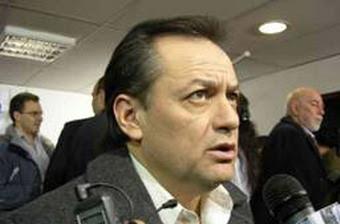 Los patriotas quieren derrocar a Fabiana Rios