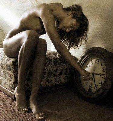 http://2.bp.blogspot.com/_MQ4yVJnOxc0/S8seZaaLd4I/AAAAAAAAAm8/3Ink4e8lIW0/s400/tempo_perdido.jpg
