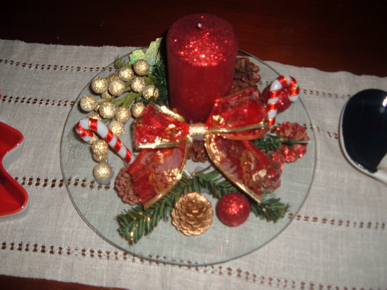 lo que hoy os traigo son unas cositas que he echo para decorar mi casa esta navidad nada tiene que ver con la costura esta vez deje la aguja a un ladito
