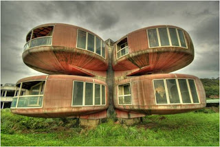 The Ufo House (Sanjhih, Taiwan)