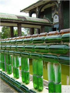 Construção com garrafas de vidro