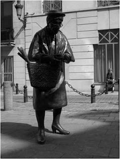 Escultura Madame Chapeau