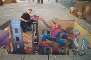 Desenho homem aranha - Desenhos tridimensionais na calçada - Giz - Julian Beever