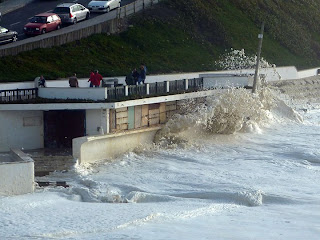 Mar bravo - São Pedro de Moel - Ondas invadiram areal