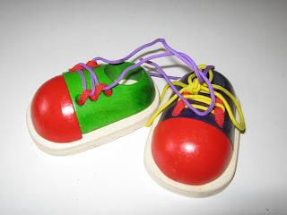 Imagen de zapatos para atar. Haz click o presiona enter para agrandar.
