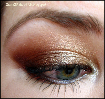 A gold make-up look using gold and bronze eyeshadows from the Sleek palettes