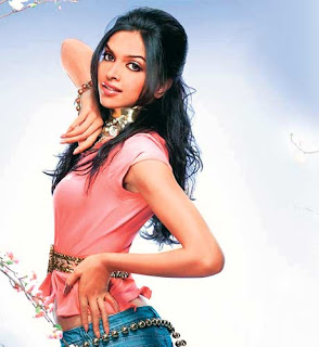 hot-sexy-bollywood-star-deepika