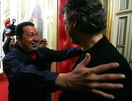 El Mandatario Venezolano Hugo Chavez recibio a : Andrea Bocelli