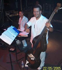 """Él es Integrante de: """"Los Sabandeños"""" y es el Compositor y Productor del Disco de Albita"""