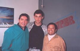 UNA FOTOGRAFIA DEL RECUERDO DON MARCO ANTONIO MUÑIZ Y ARMANDO MANZANERO