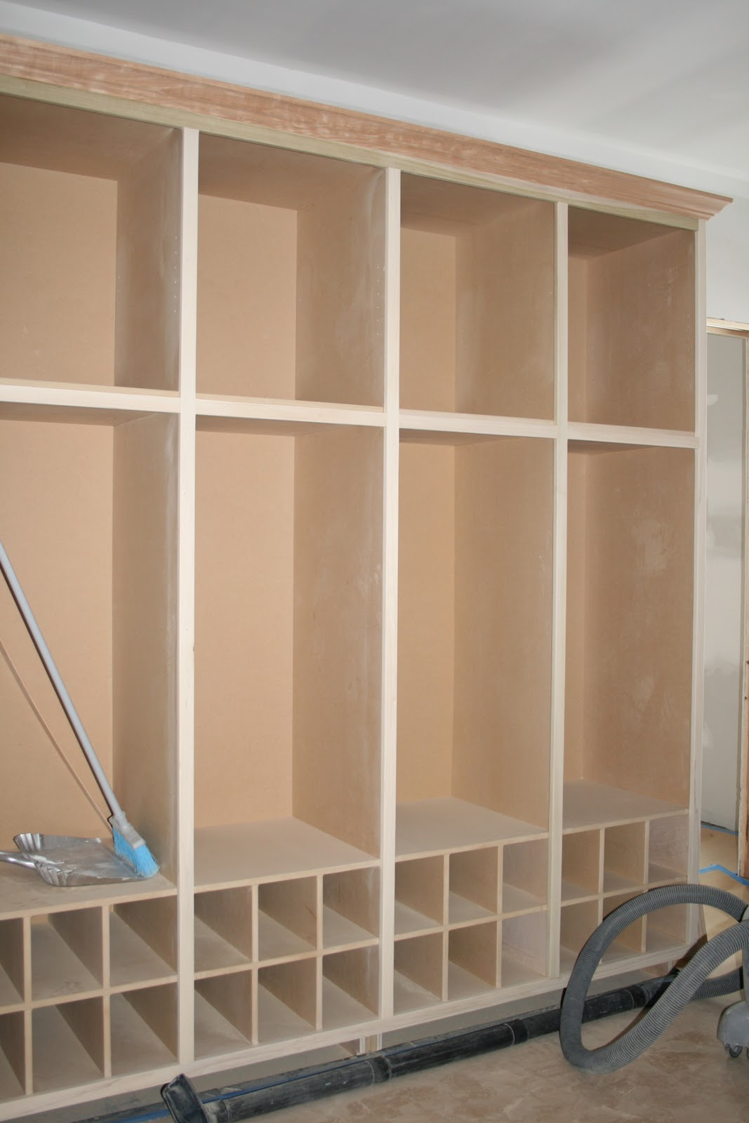 The mudroom for a large family for Large mudroom ideas