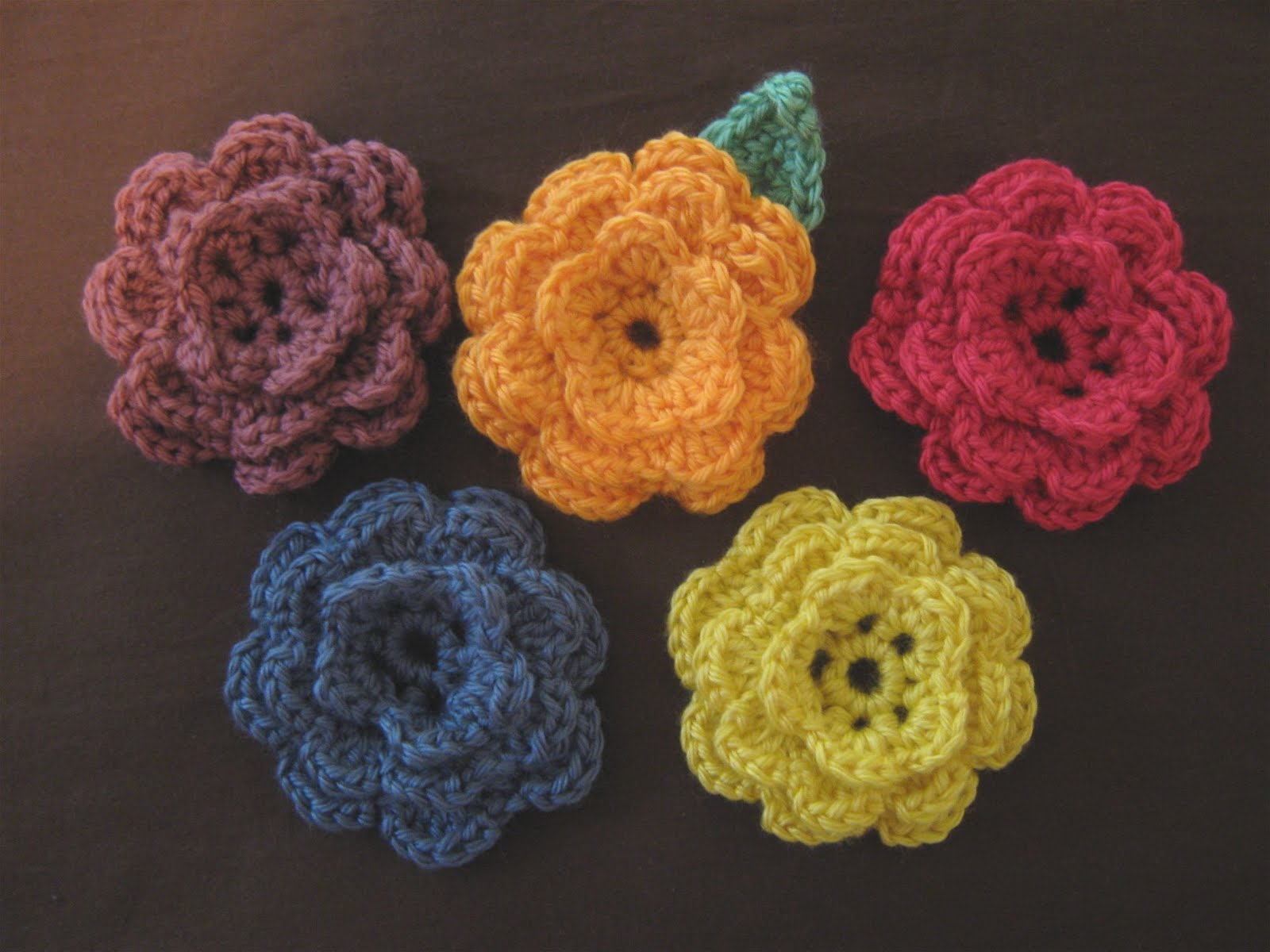 Flower Pattern In Crochet : 5 daughters: How to Crochet a Flower!