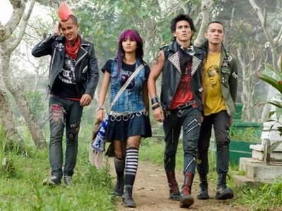 Punk-In-Love_haithumb472x300.JPG