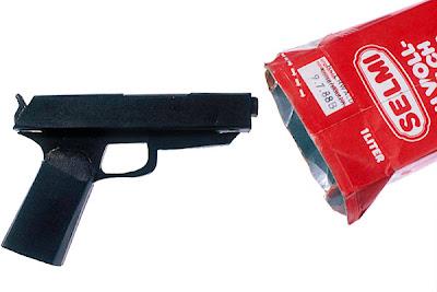 Оружие заключённых, фиктивный пистолет