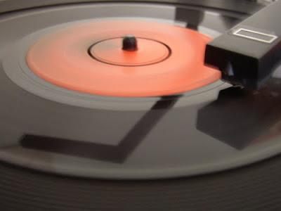 Три Идеи проигрывателя виниловых дисков фото 1