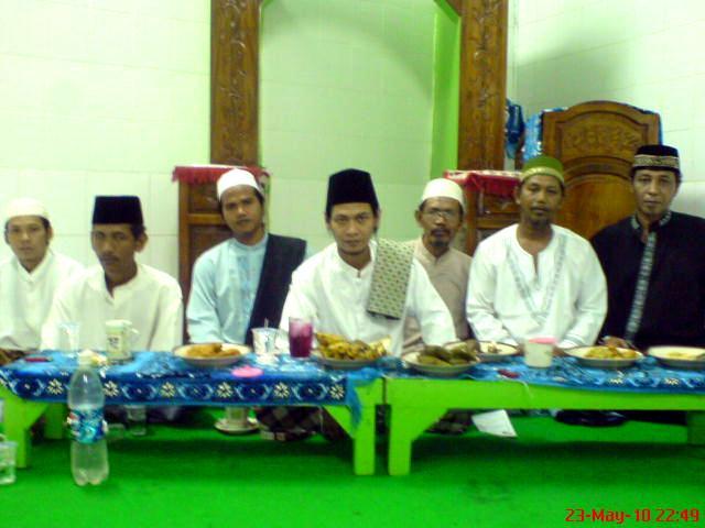 Sholawatan di Musholla Al-Karomah