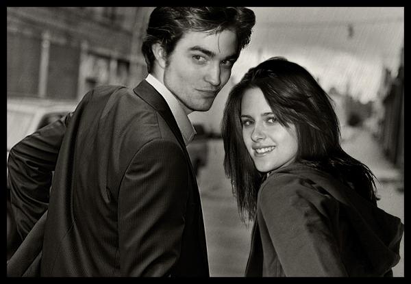 Robert y Kristen muy enamorados cita