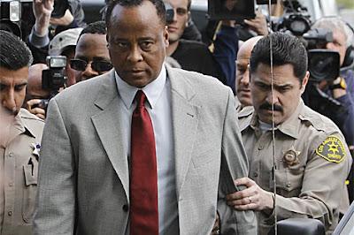 El médico de Michael Jackson, a juicio por homicidio
