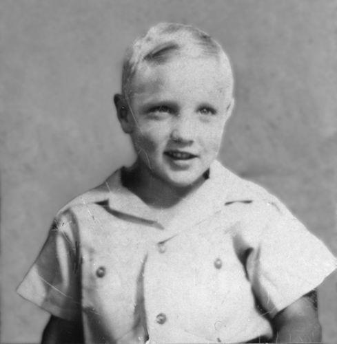 Tudo sobre elvis novembro 2010 quando elvis tinha 5 anos de idade sua me o matriculou na consolidated escola primria de east tupelo hoje a escola se chama lawhon elementary school fandeluxe Choice Image
