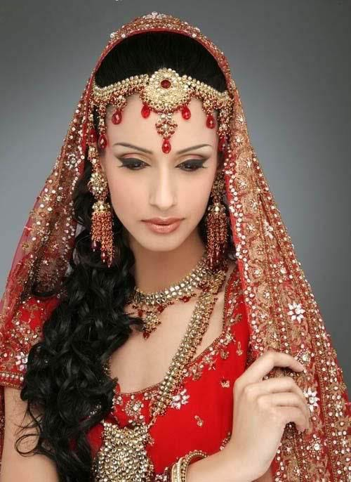indian brides hairstyles. I envision earthy hairstyles as not to fussy. gold and silver necklace and