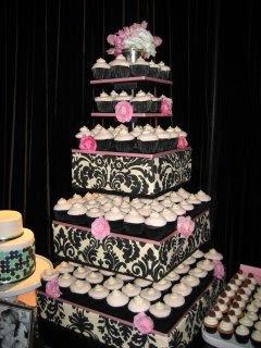 свадебный торт из маленьких пирожных