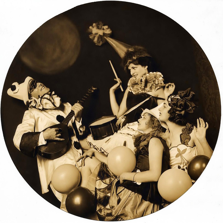 VINTAGE BLOG: Ziegfeld Girls by Alfred Cheney Johnston