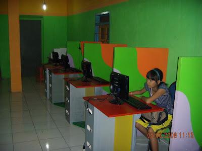 http://2.bp.blogspot.com/_MfnMNvSkjkY/SFx_nKNn_II/AAAAAAAAABg/Bpa1aMayc4g/s400/warnet-lidah.jpg