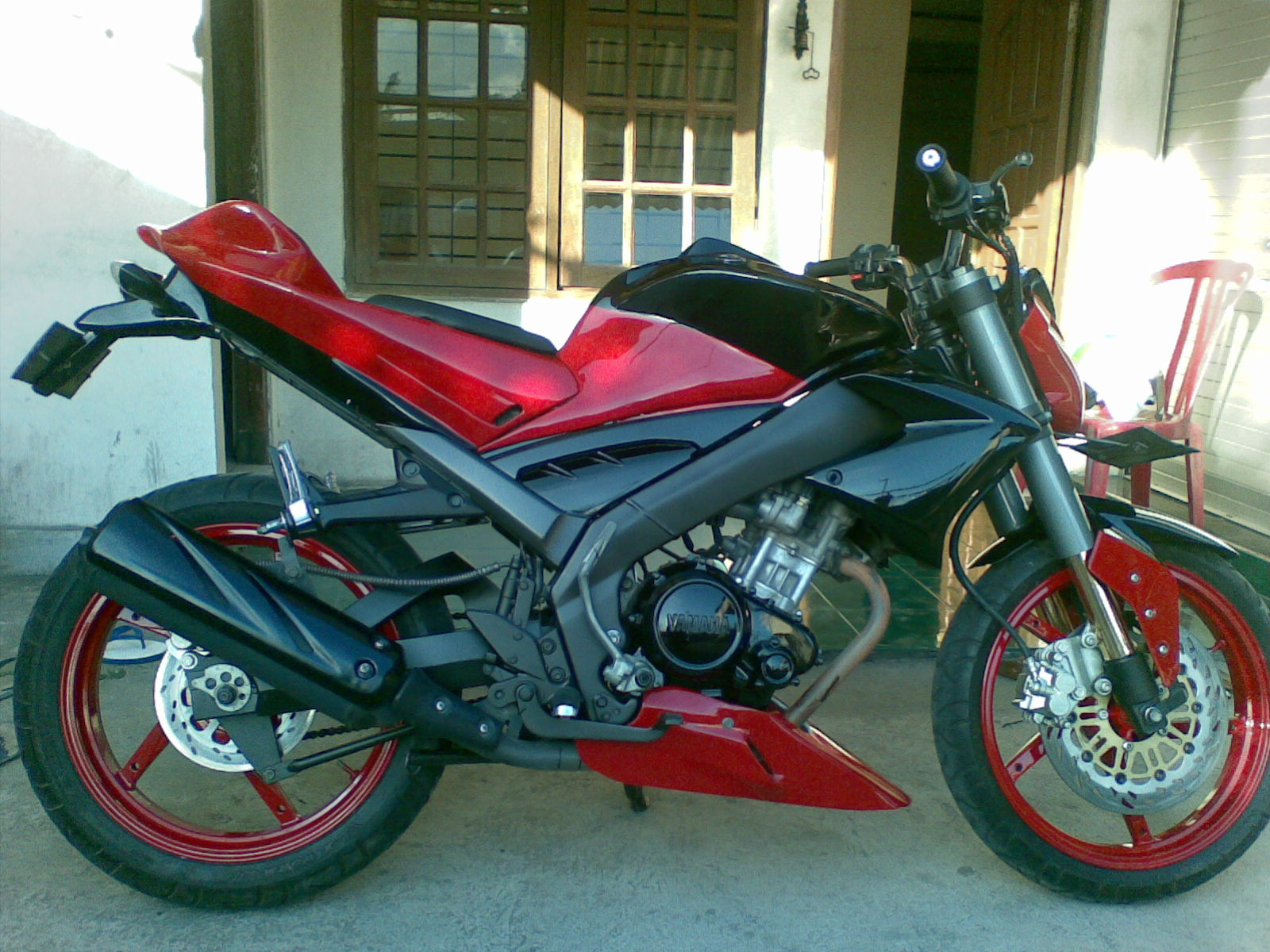BODY STREET FIGHTER VIXION BY AND title=